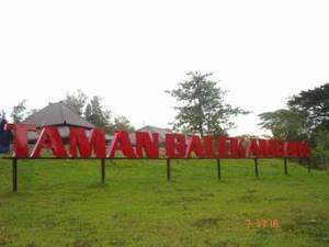 Papan Nama Taman Balekambang